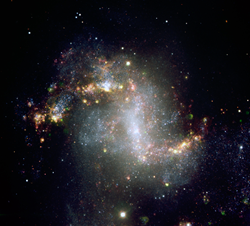 This image shows the central region of galaxy NGC1313, home to the ultraluminous X-ray source NCG1313X-1, which astronomers have determined to be an intermediate-mass black hole candidate. Credit: ESO