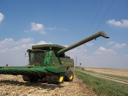 combine close to overhead power lines