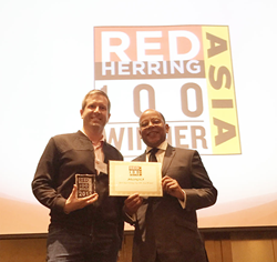 Steven Talcott Smith (CEO, AELOGICA) and Alex Vieux (Red Herring)