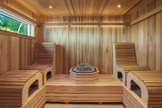 Amerec and spaequip displaying custom sauna solutions at for Hotel design kea