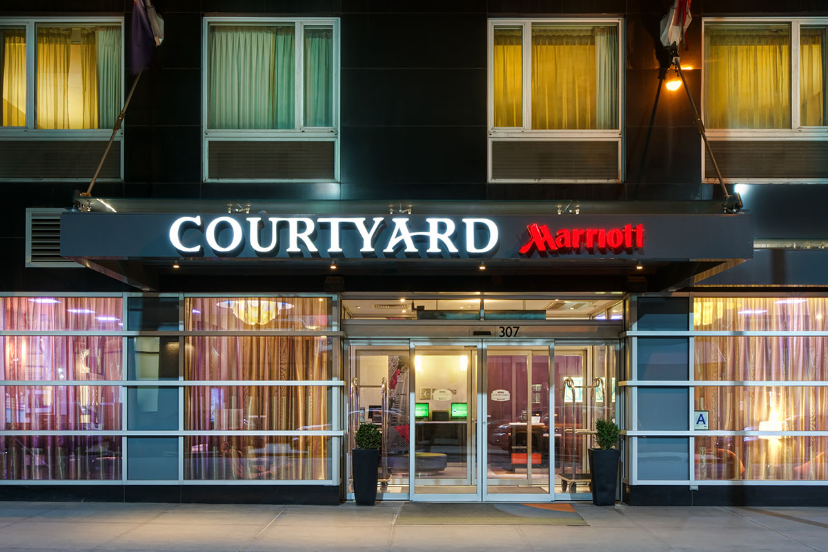 Courtyard By Marriott Times Square West Welcomes Ufc To Madison Square Garden This Fall