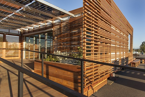 Nanawall systems featured in three homes at solar for Cost of nanawall systems