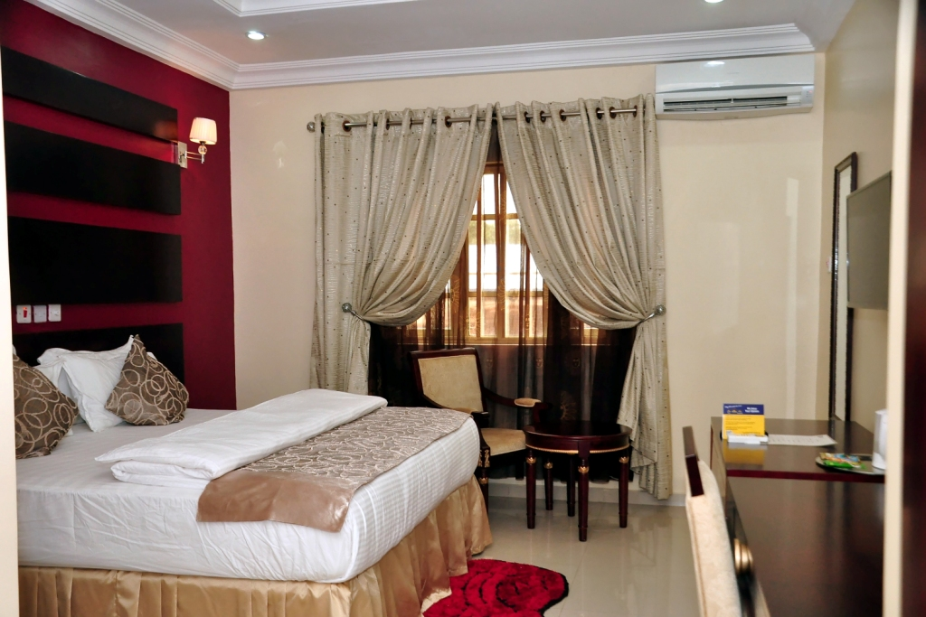 Best western opens two new hotels in west africa for Nigeria window design