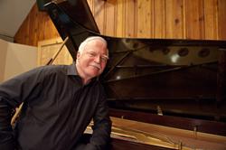 American composer and pianist, Roger Davidson debuts in Brasilia, Brazil