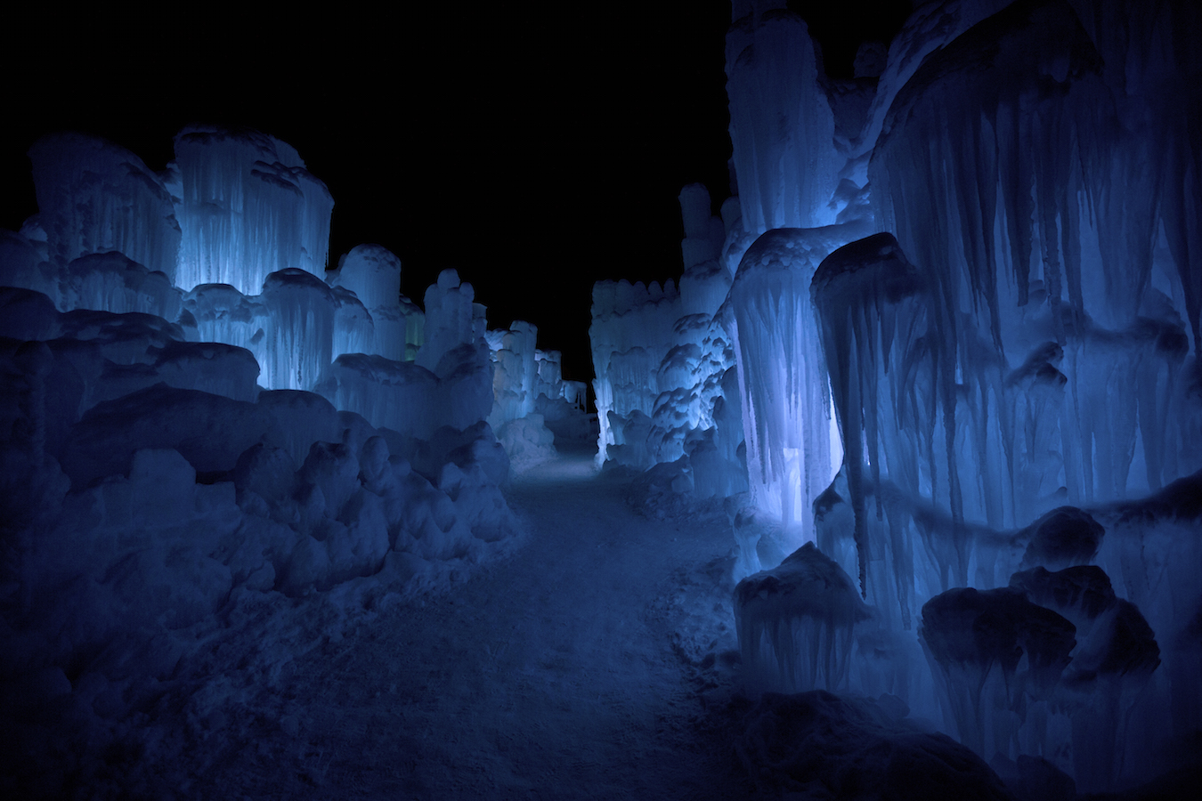 the ice castle in new hampshirethe new hampshire ice castle glows deep blue at night - Blue Castle 2016
