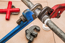 Plumber offers free contracting advice
