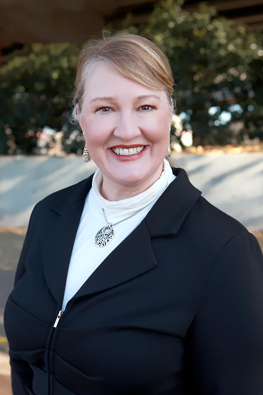 Linette dobbins president of mcgee wealth management receives media xflitez Images