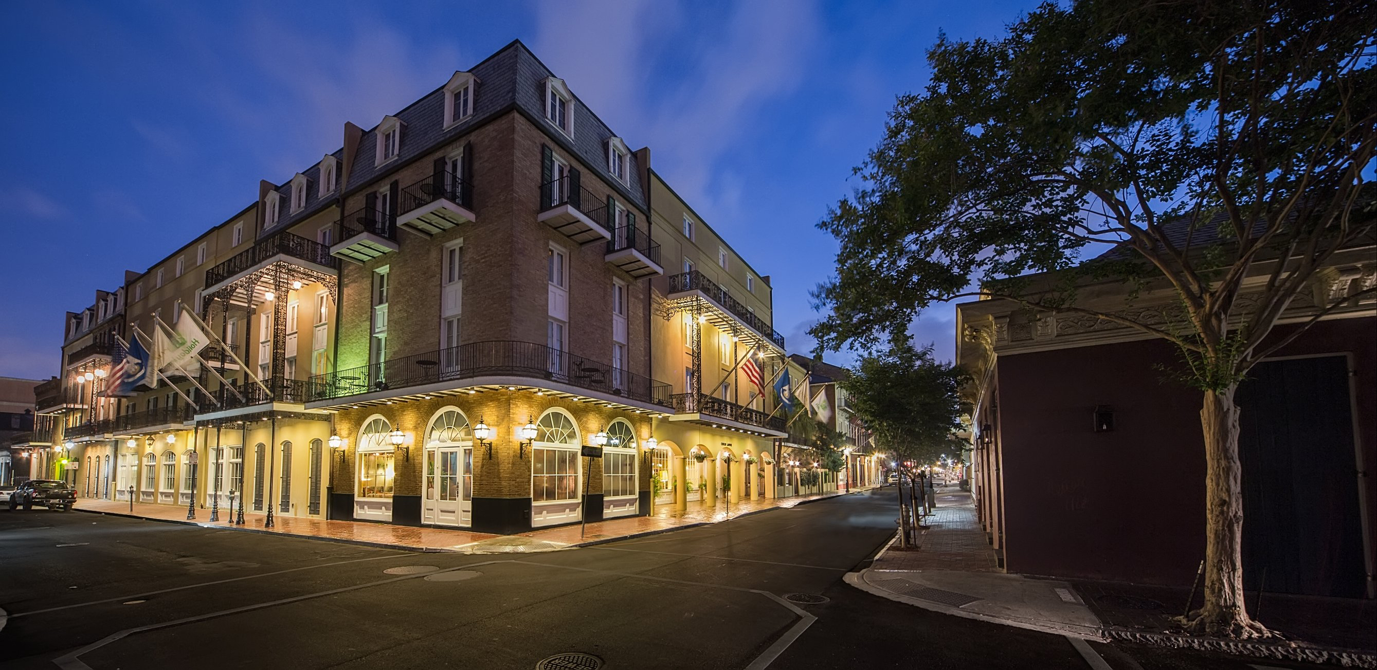 Chateau lemoyne french quarter boutique hotel completes for Best boutique hotels french quarter