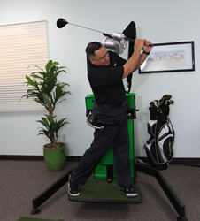 A golfer uses RoboSwing
