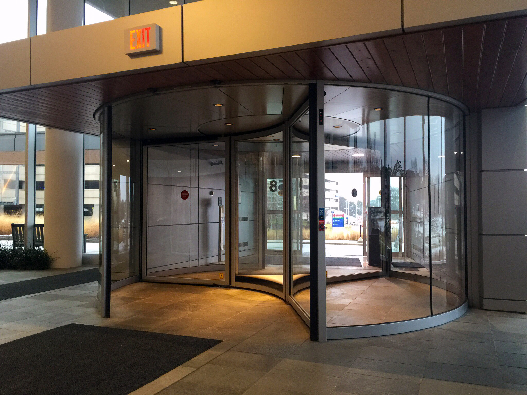 Wisconsin Hospitals Use Boon Edam Revolving Doors In