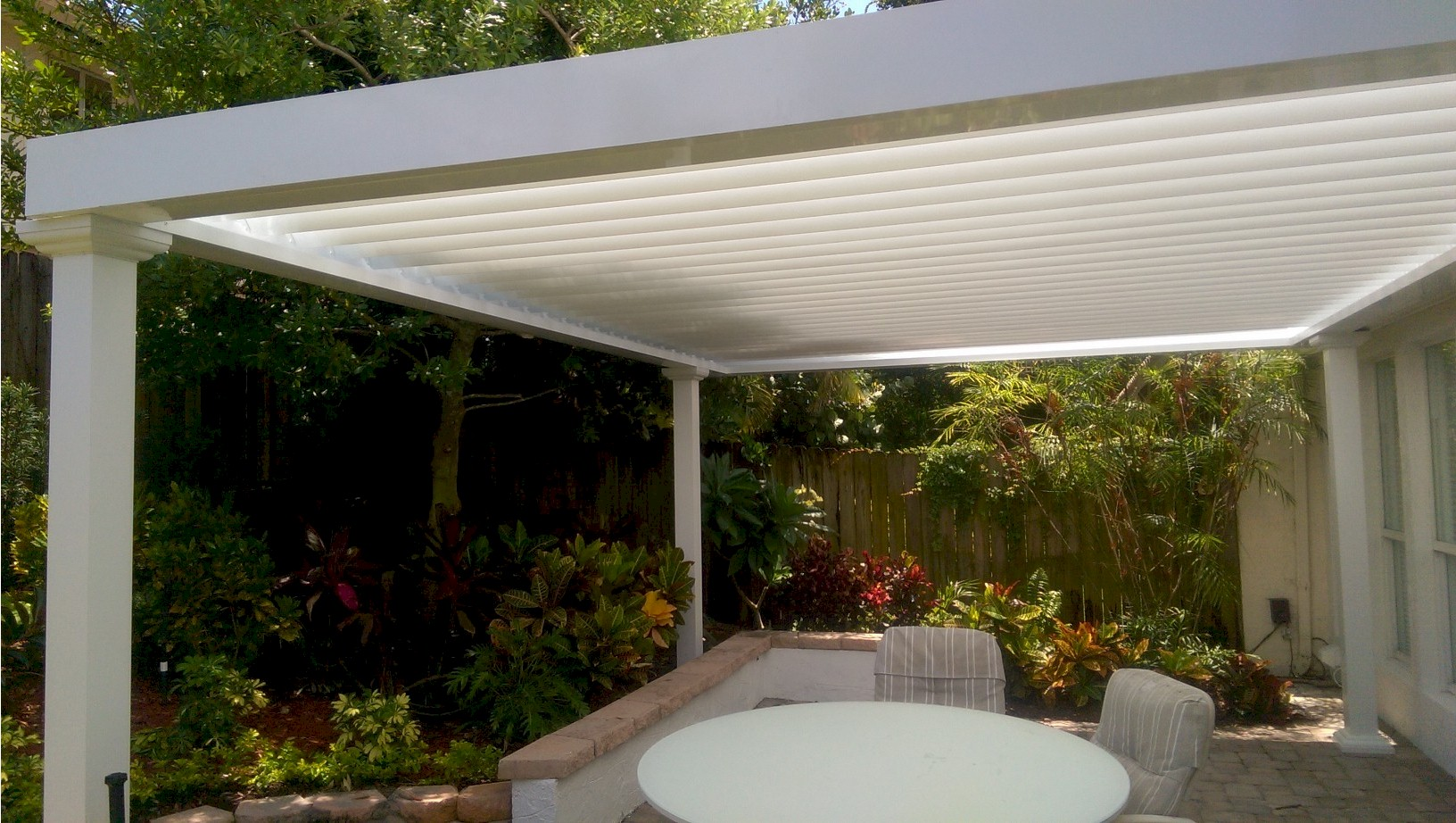 Alumicenter Inc Partners With Equinox Louvered Roof To