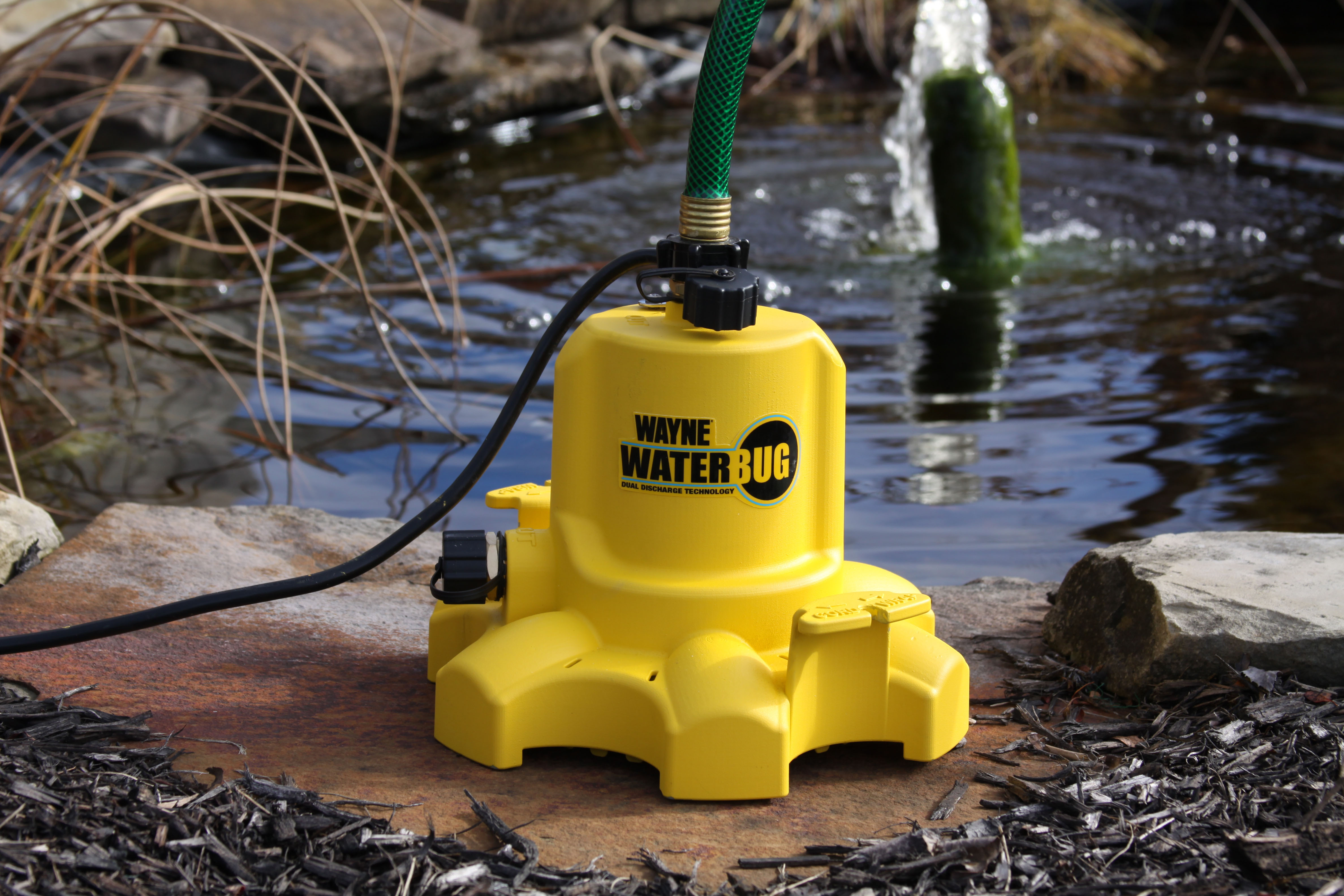 Wayne Pumps Wwb Waterbug Submersible Pump For Removing
