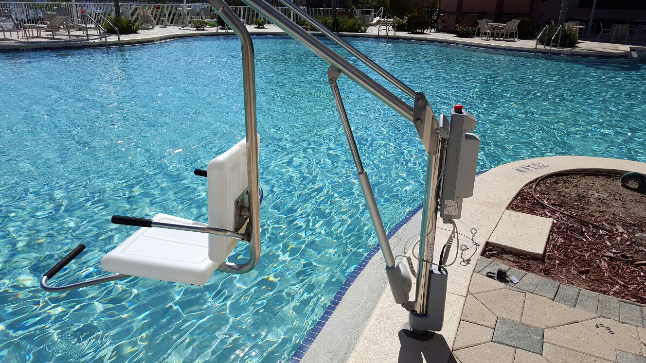 Spectrum aquatics launches new ada lift motion trek 350 new lift provides users with more for Hydraulic chair lift for swimming pool