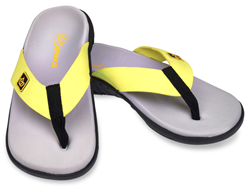 Spenco's Pure Sandal has a substantial layer of memory foam for muscle recovery while maintaining the Total Support® footbed contoured shape, making it the perfect post-run recovery sandal.
