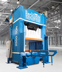 A 2500 Ton Hydraulic Press by Beckwood