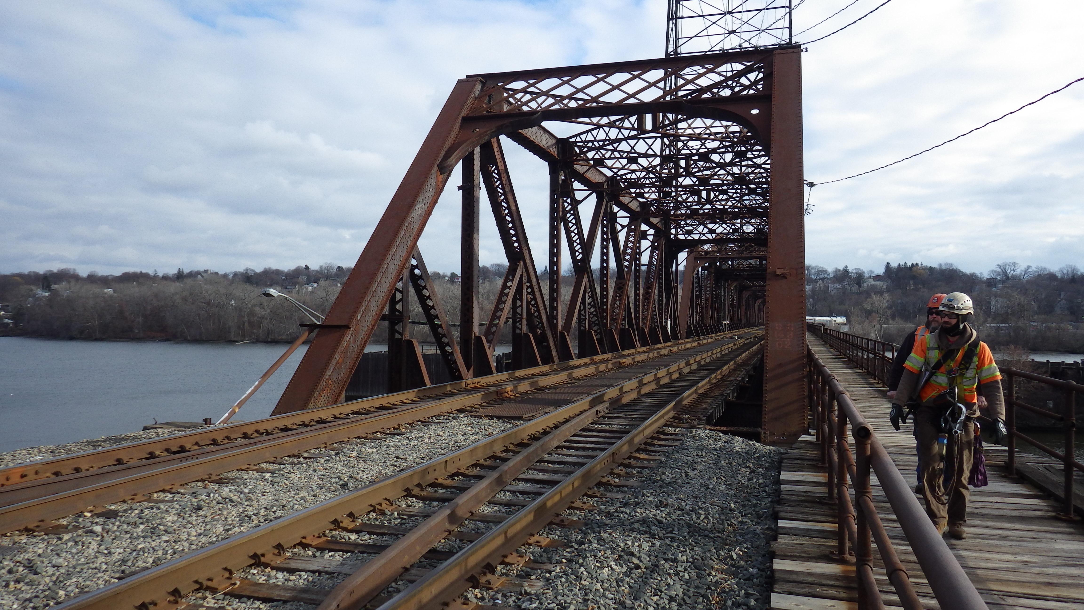 Modjeski And Masters Rehabs Railroad Swing Bridge
