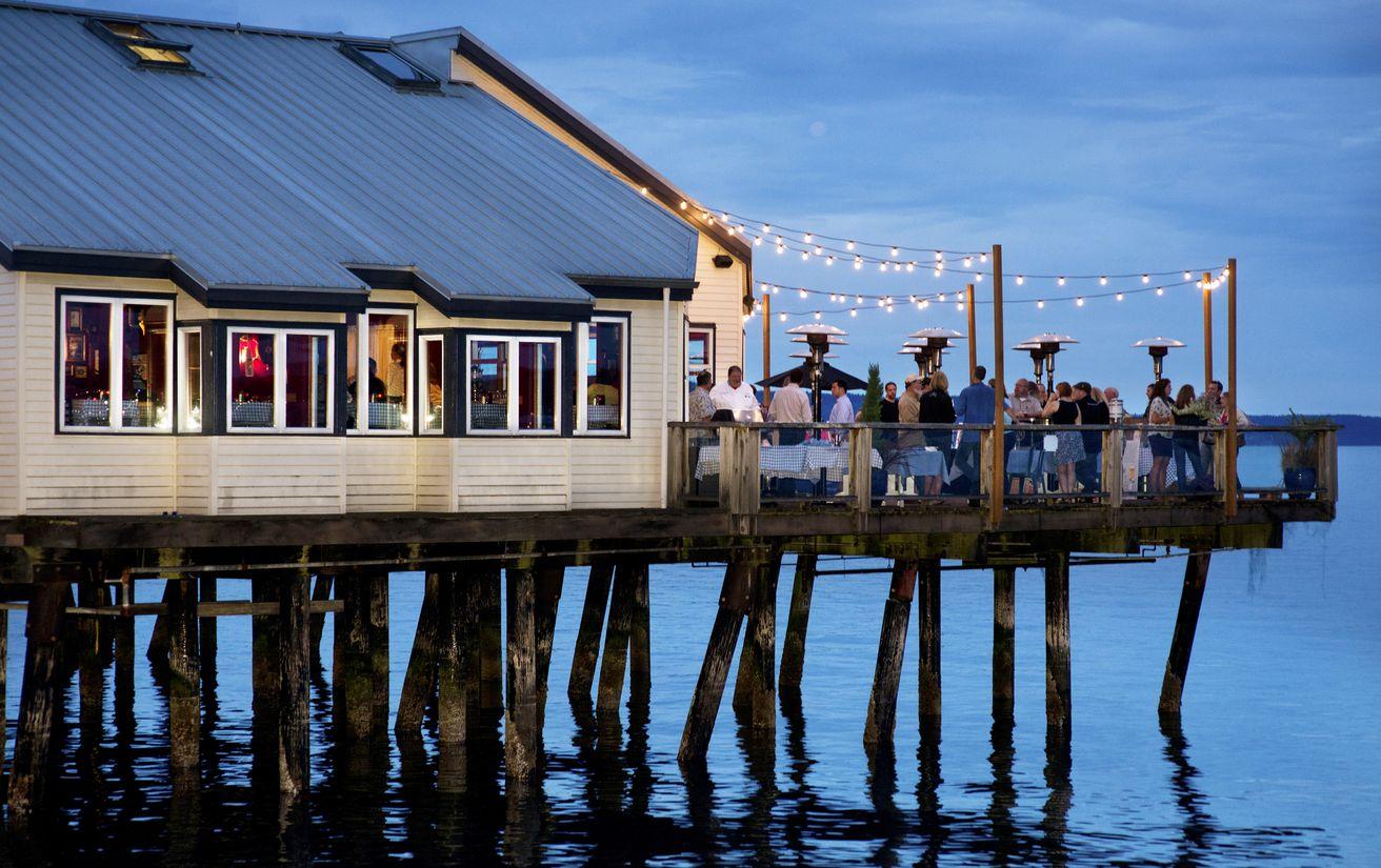 Seattle s favorite seafood restaurant s secret recipes for Fish restaurant seattle