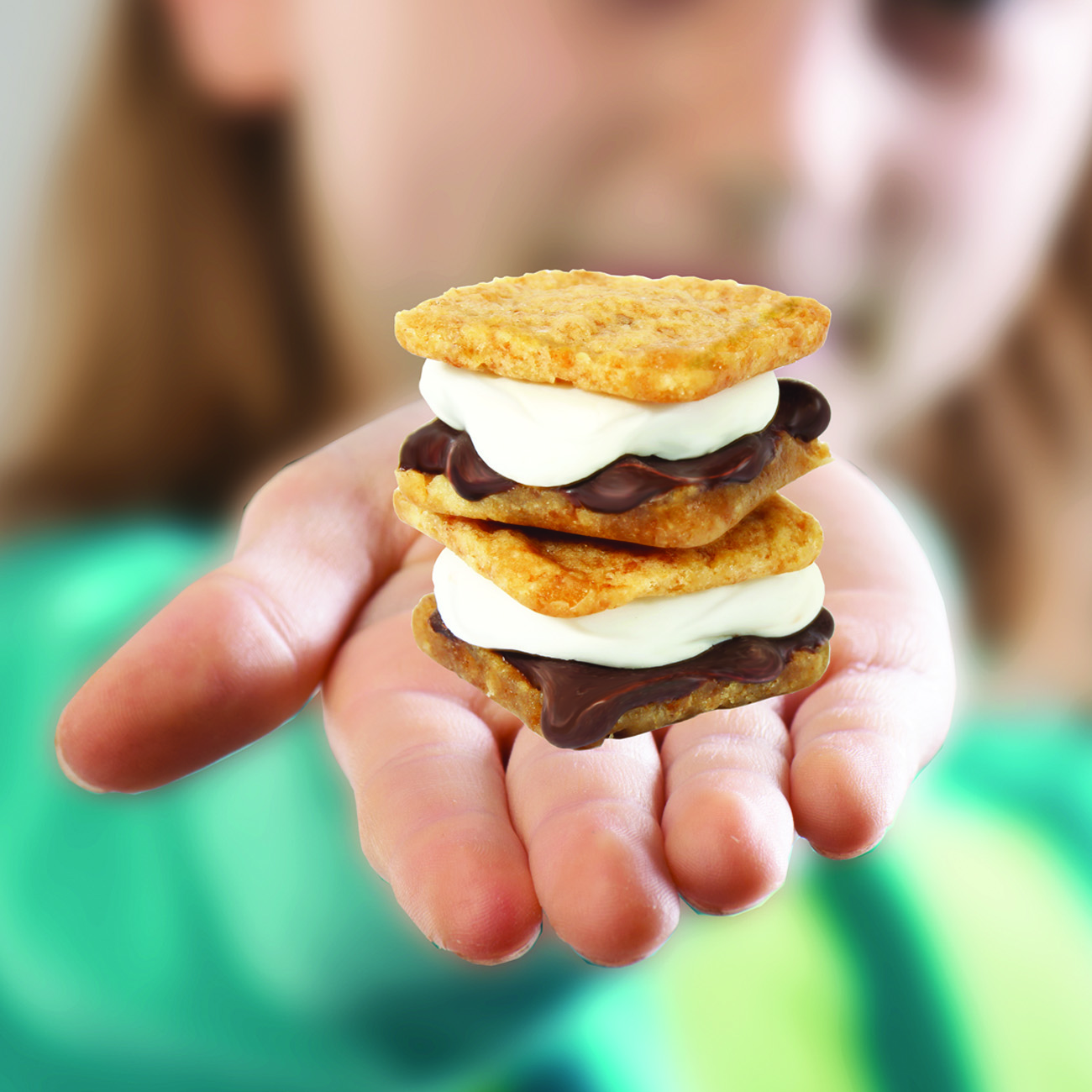 Mini Real Food Kitchen: Blip Toys Releases New Yummy Nummies S'mores Maker Playset