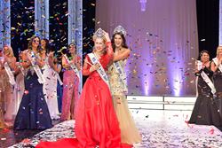 Oksana Vovk is Crowned Ms. America®  2017 by 2016 Ms. America®  Julie Harman