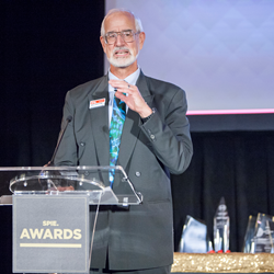SPIE President Robert Lieberman presented 2016 awards at the society annual awards banquet during SPIE Optics + Photonics.