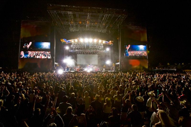 desert trip concert welcomes luxury home buyers to the
