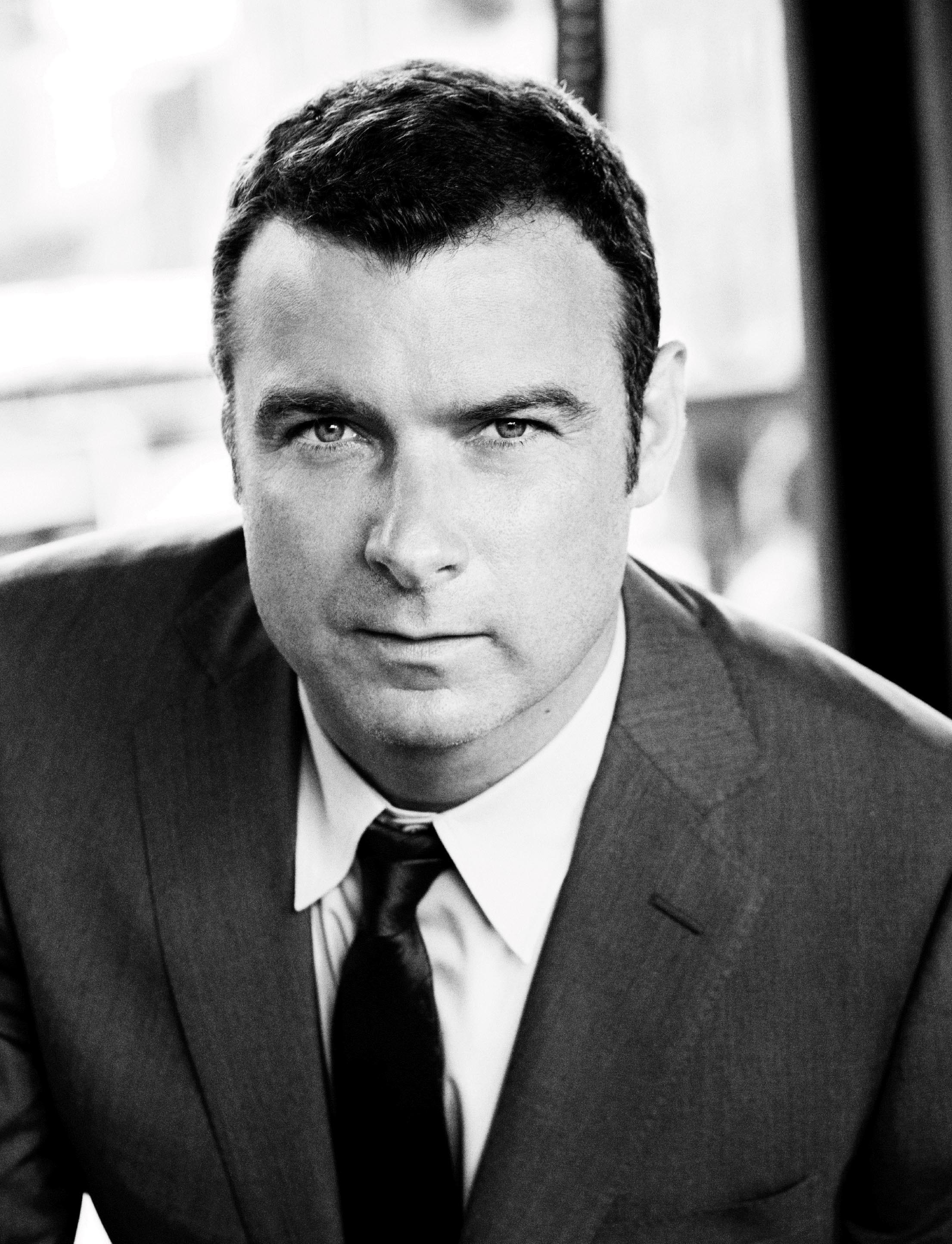 Golden Globe Nominee and Tony Award Winner Liev Schreiber ...