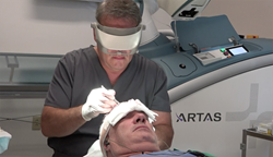 Dr. Chris Pawlinga, M.D. performs an ARTAS Robotic Hair Transplant