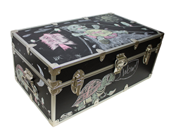 The Chalkboard Trunk from Everything Summer Camp is sure to be a hit at this year's 'Chalk Festival' in Sarasota, Florida!