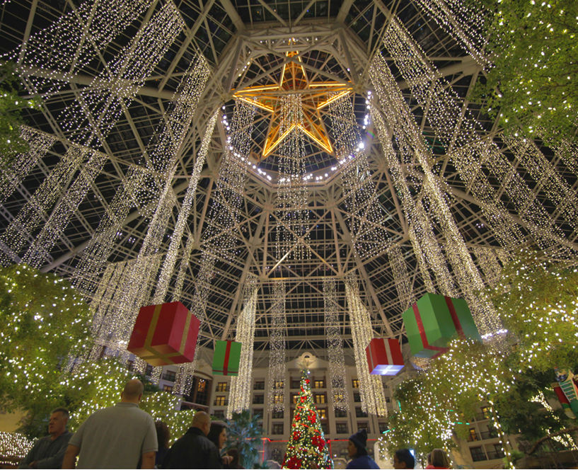 Christmas Is Claus For Celebration At Gaylord Texan Resort
