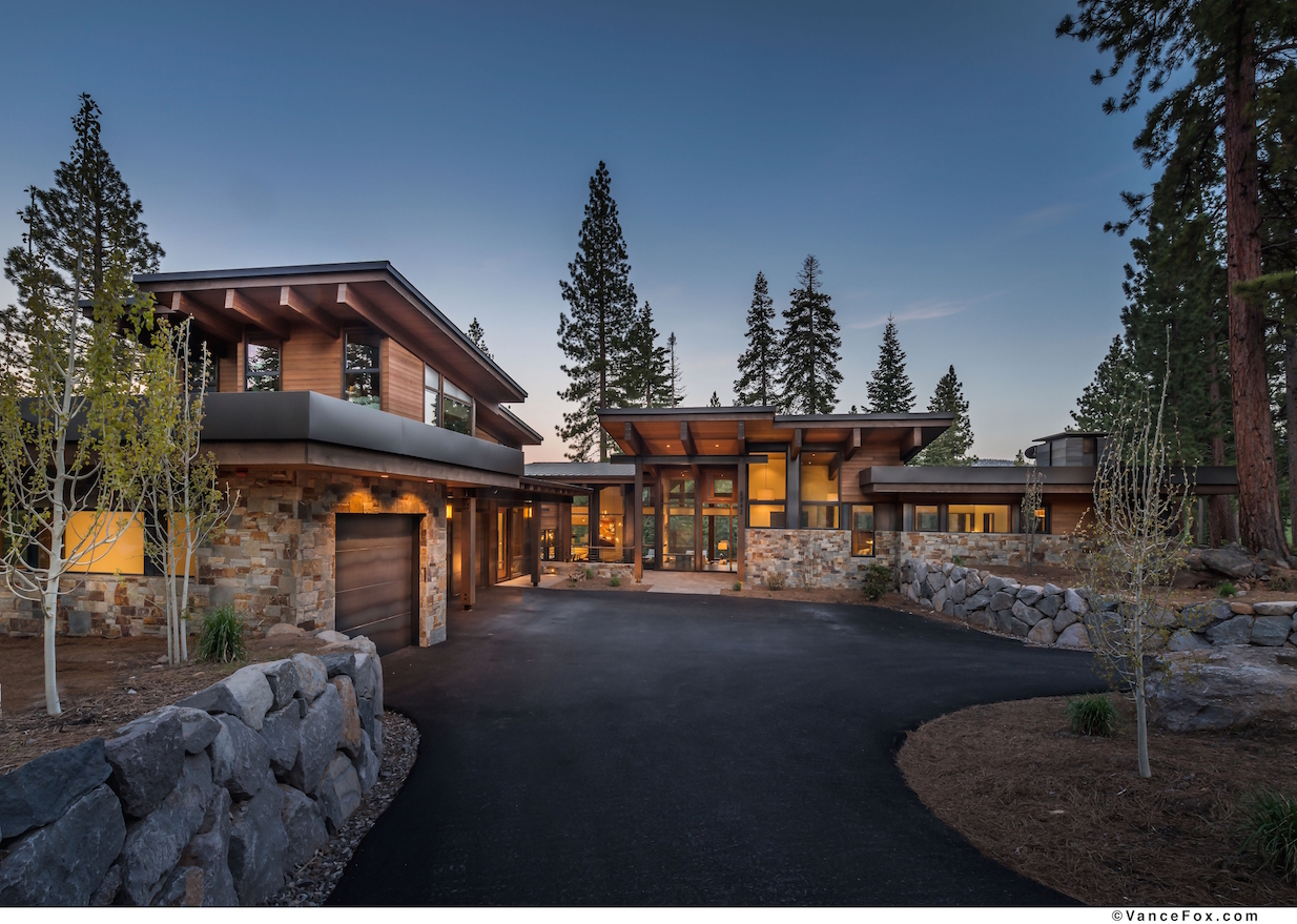 Lake tahoe 39 s martis camp announces milestone sales for 2016 for Mountain modern architecture