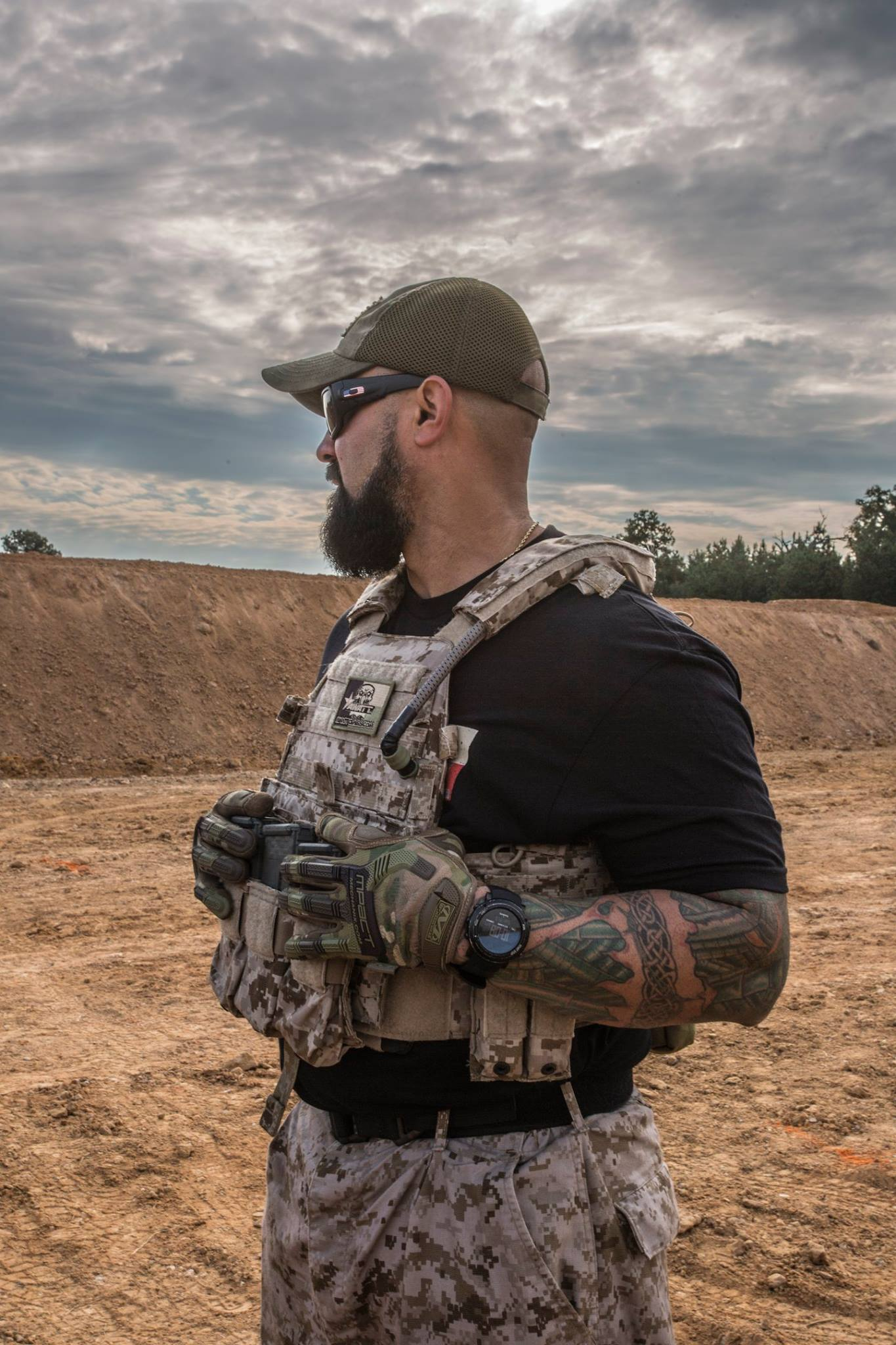 navy seals trainings for a mission essay Navy seal platoon leader james waters explains what keeps elite  seals do  on a mission is quite serious but in getting through the training,.