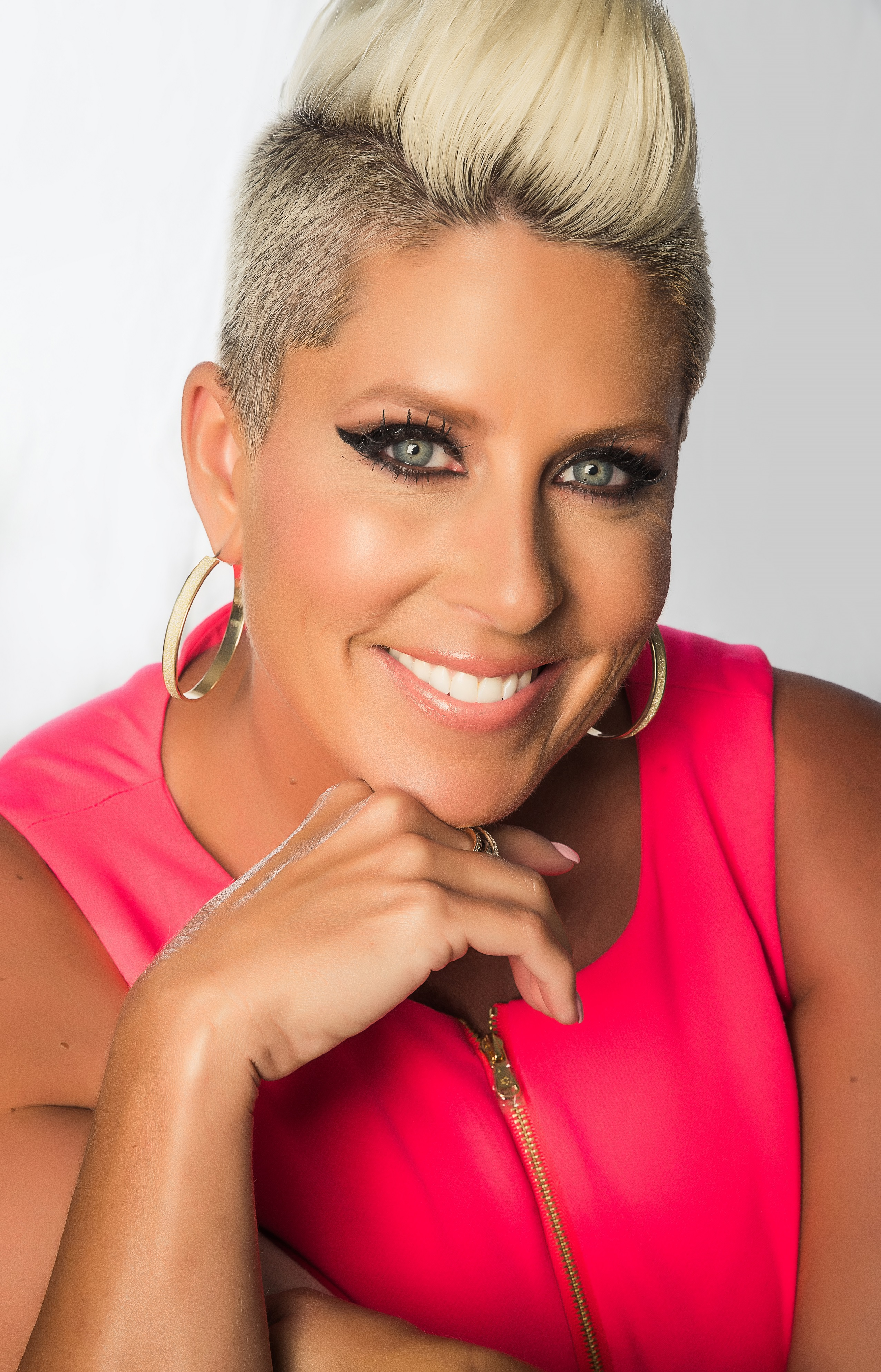 Five Star Automotive >> Beauty Expert Gina Rivera's Franchise Company Reaches Top 25