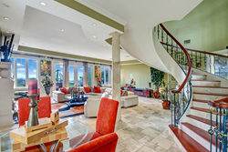 Oceanfront residence on auction with Tranzon