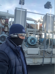 BP Air Technician uses XOEye glasses during work