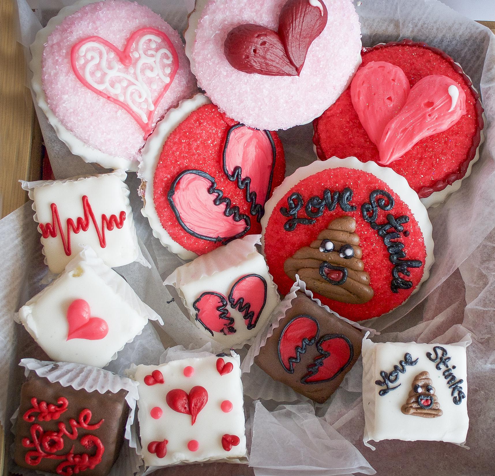 Houston Bakery Offers Valentineu0027s Day King Cake, Broken Hearts Treats