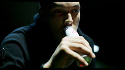 Image of Aaron Gordon drinking a Sugar Free UPTIME Energy drink