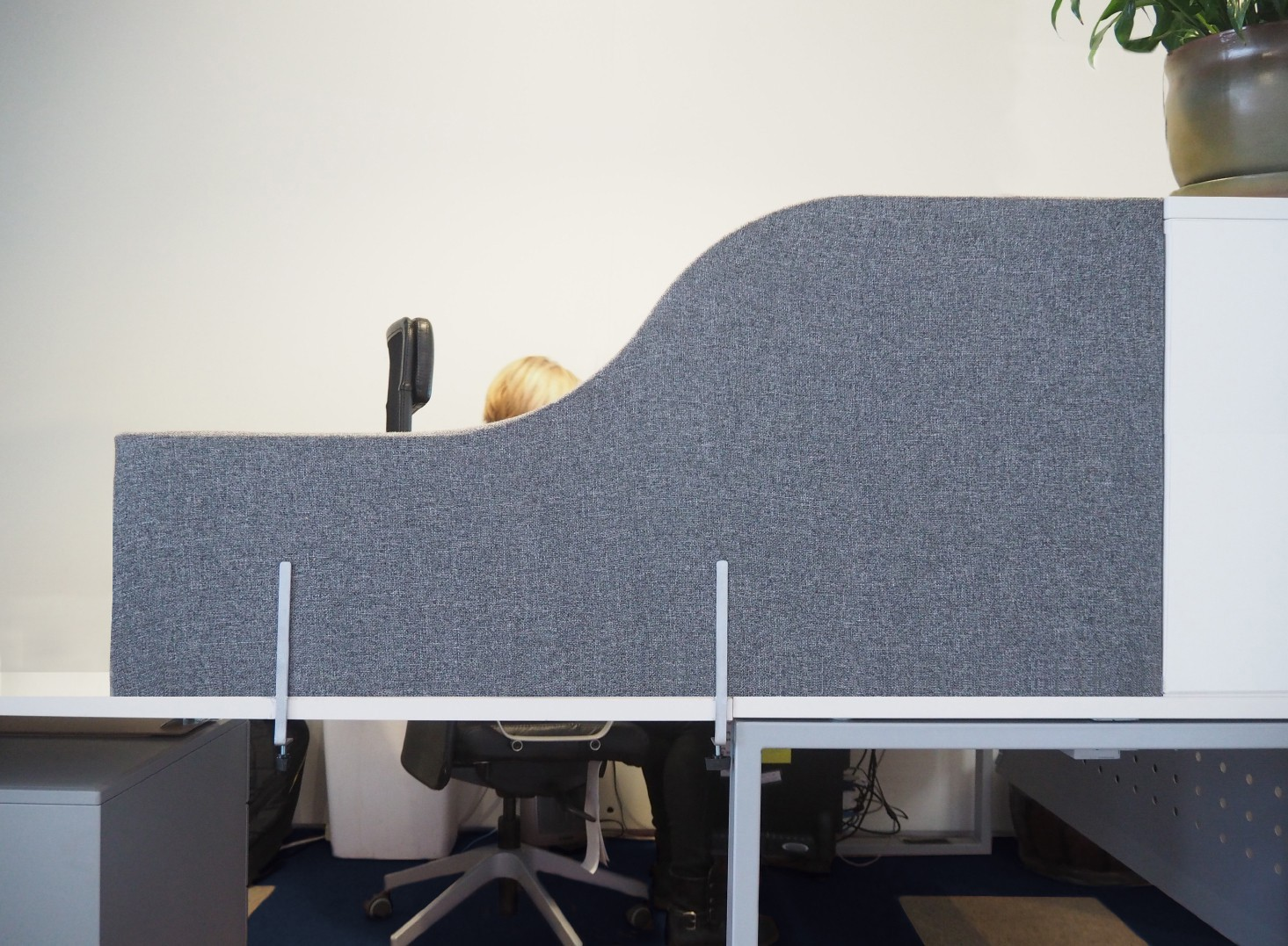 Versare Creates Desktop Privacy Panels To Affordably