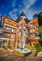 Luxury 10-bedroom Villa Punto de Vista