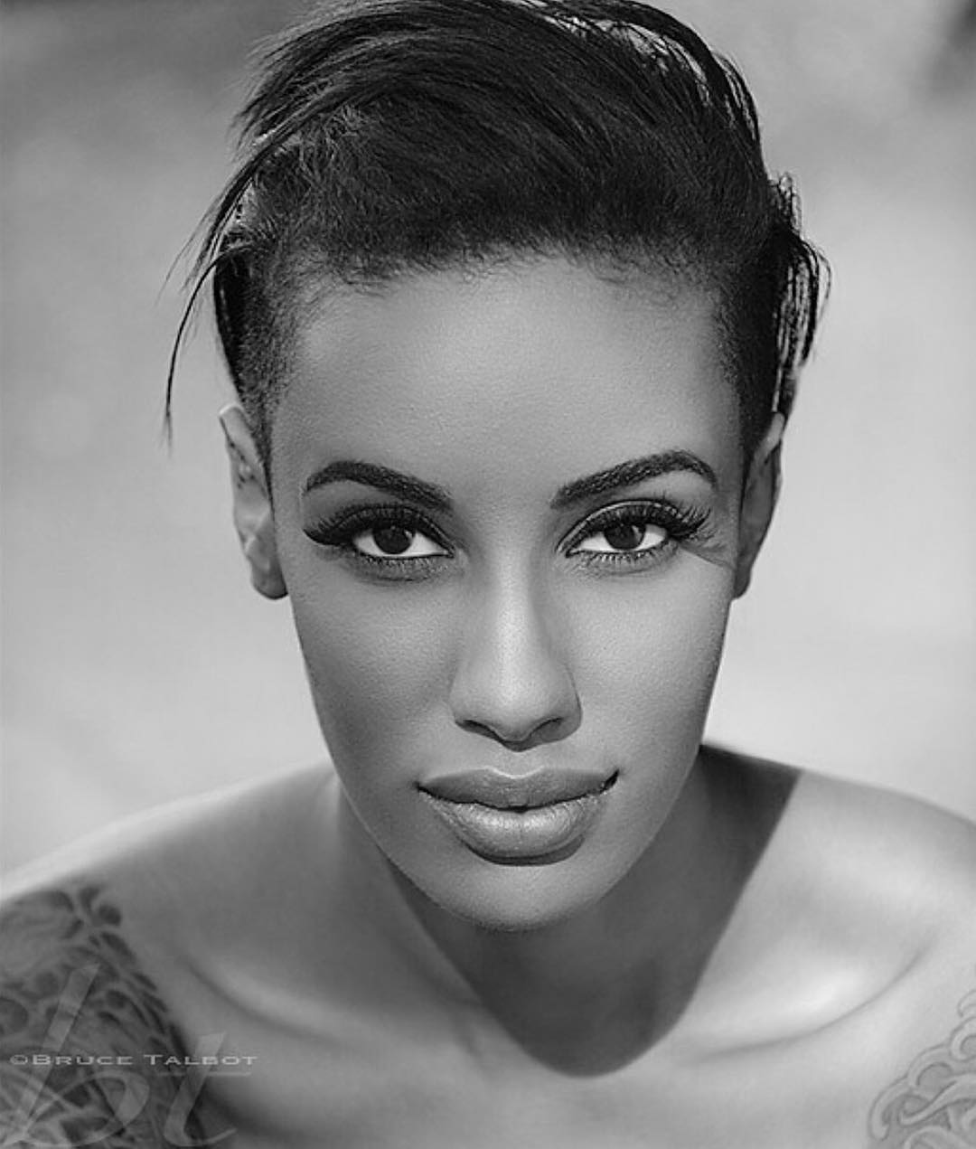 OTTO MODELS (Modeling Agency) Signs AzMarie Livingston ...