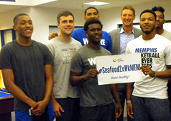 NBA All-Star Detlef Schrempf and the Memphis Tigers basketball team