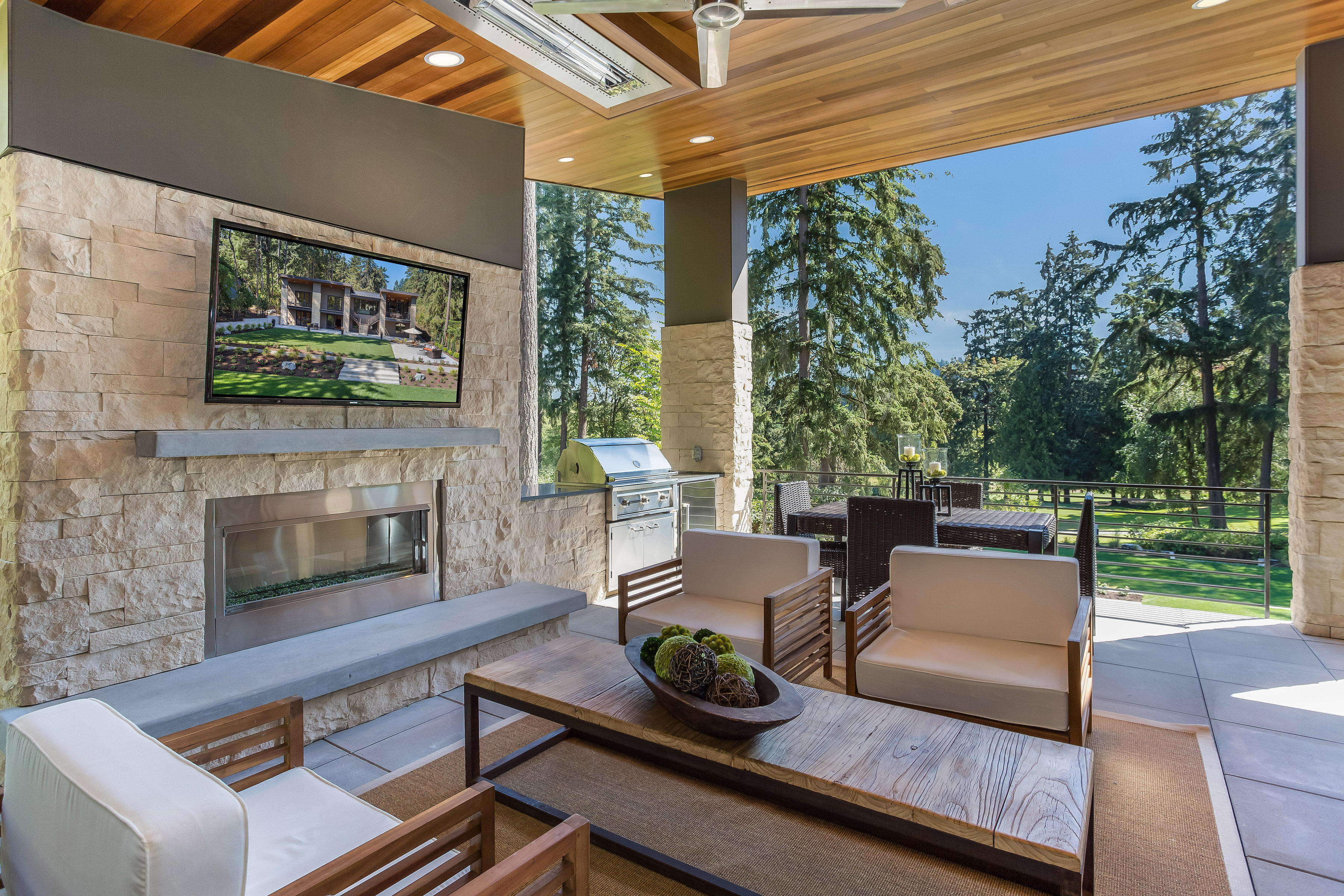 The new great room eldorado stone leads latest trend in for The great outdoor room