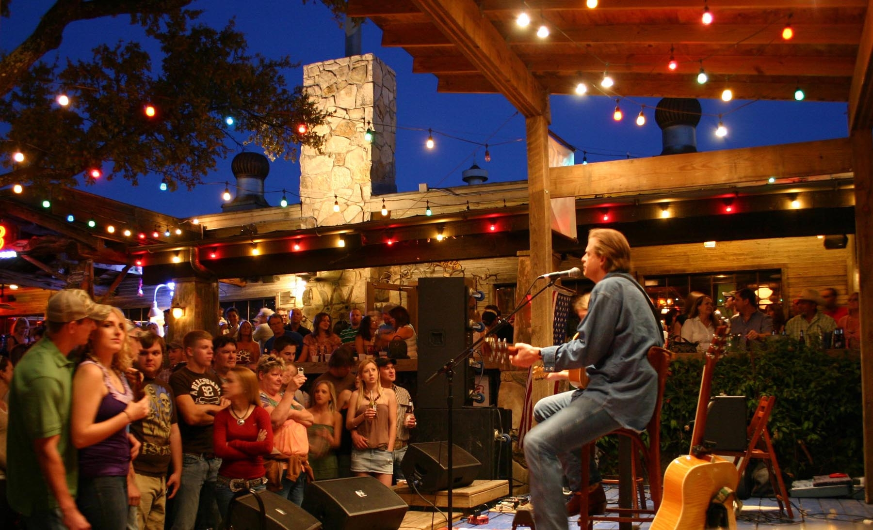 The County Line Bbq Restaurants Offer Country Music Series
