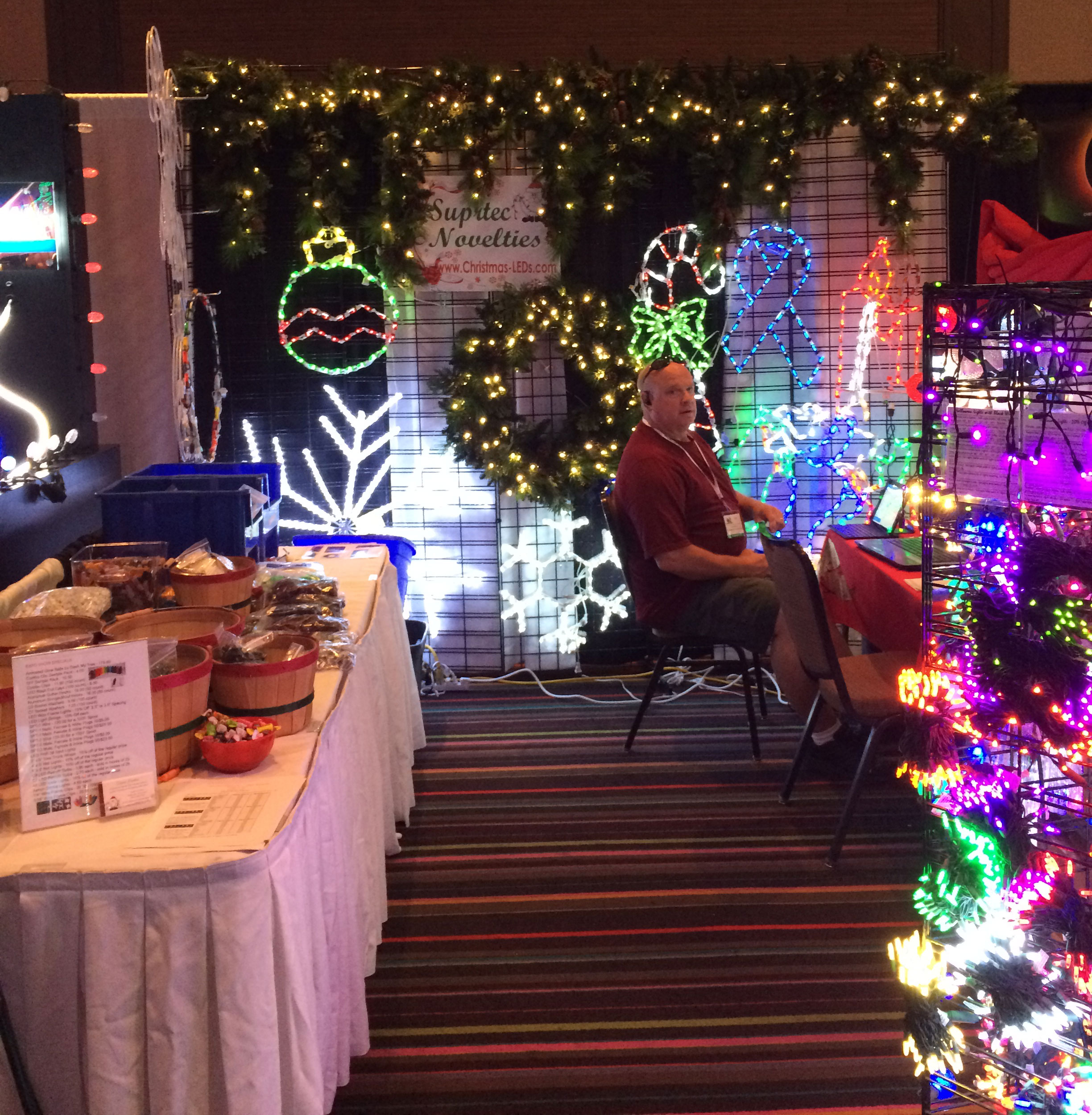 Over-the-Top Holiday Lighting And Outdoor Decorating Conference Delivers The Latest Trends In