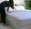 Spun Sheets, Cutting Bed-Making Time in Half with Ingenious Design, More than 200 % Funded on Kickstarter in First 24 Hours