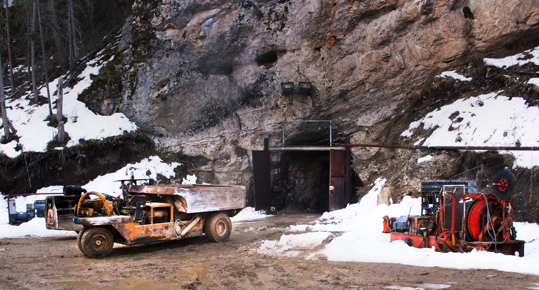 the gem gallery secures purchase of montana yogo sapphire mine