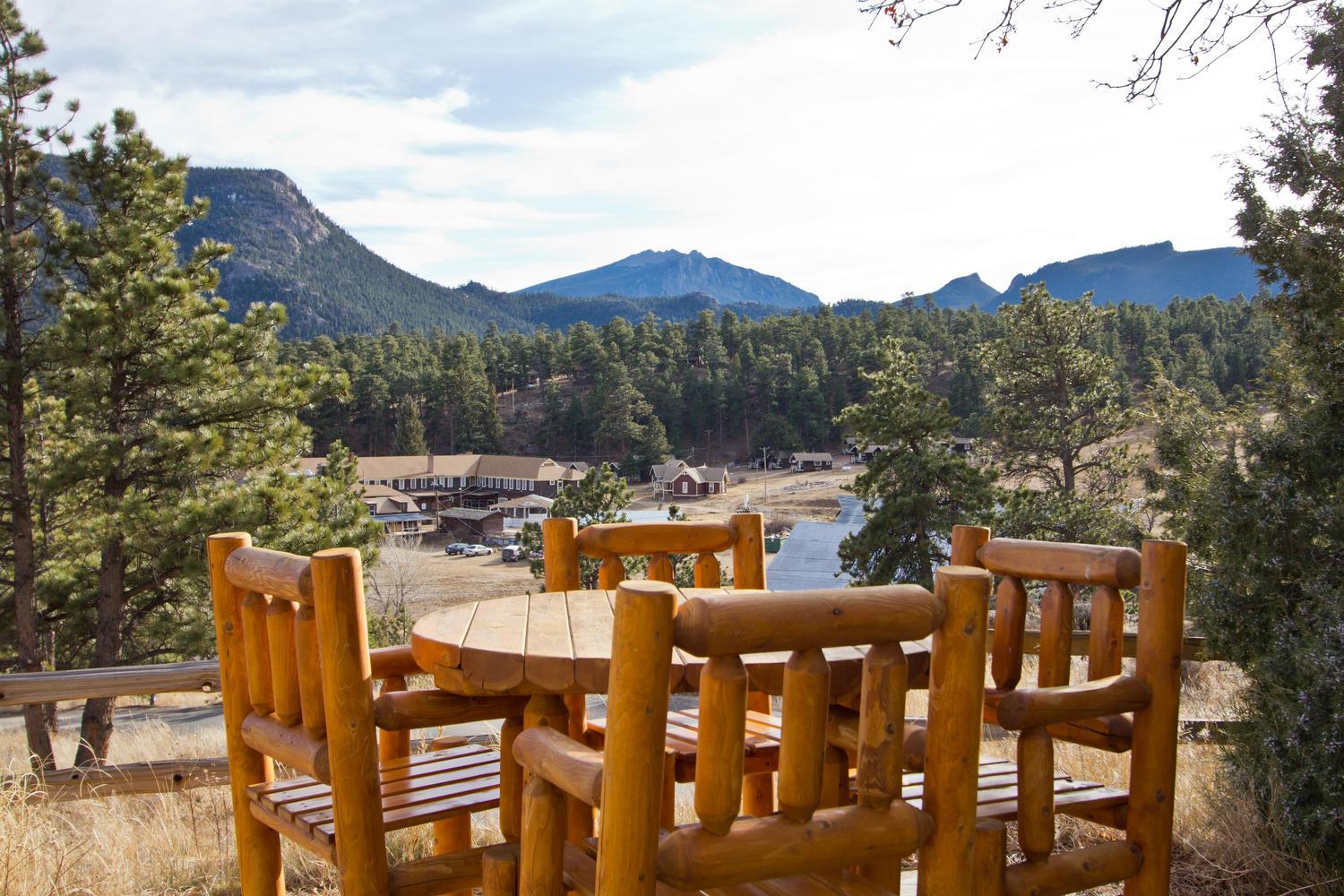 Experience a true colorado mountain getaway with 50 off a for Rocky mountain state park cabins