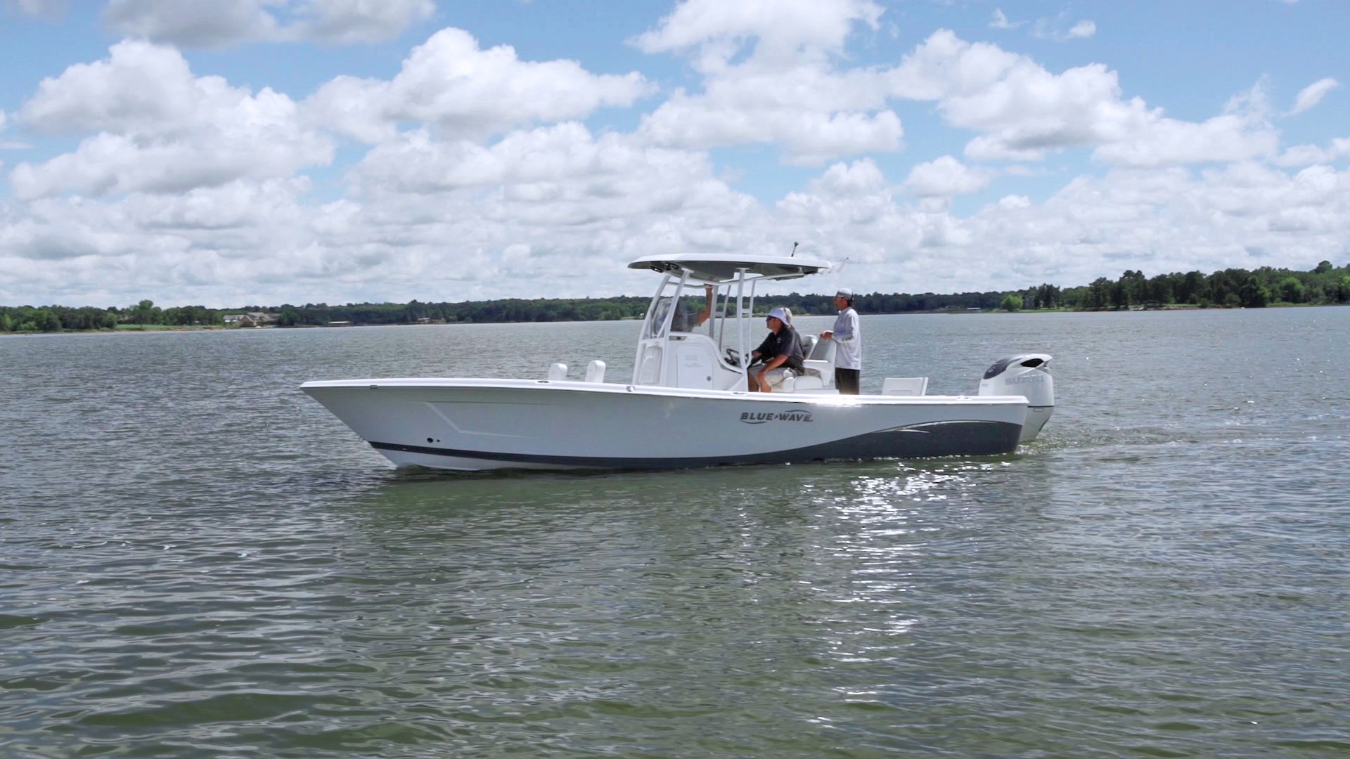 Blue Water Boats >> Blue Wave 2800 Pure Hybrid Unveiled at the Company's Dealer Meeting