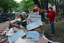 Keller Williams San Francisco agents volunteer at Mega Relief