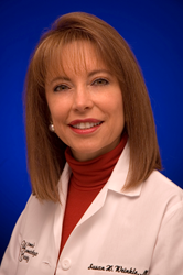 Susan H. Weinkle, MD, Honored with ASDS Stegman Award