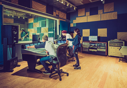 SAE Institute Los Angeles is located in the heart of Hollywood in the former home of the Eastman Kodak Company. Students in the Audio Technology Program train learn in industry standard studios to prepare for an entry-level career in the audio industry.